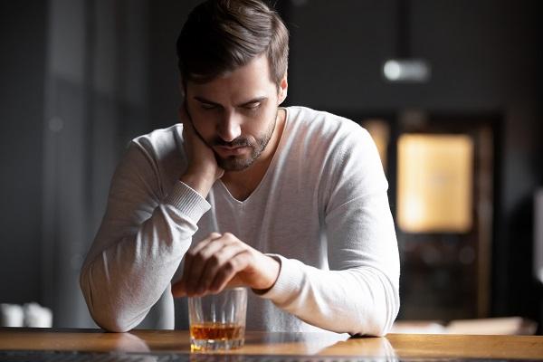 O uso do álcool, a pandemia de Covid-19 e a saúde mental por supera criciúma